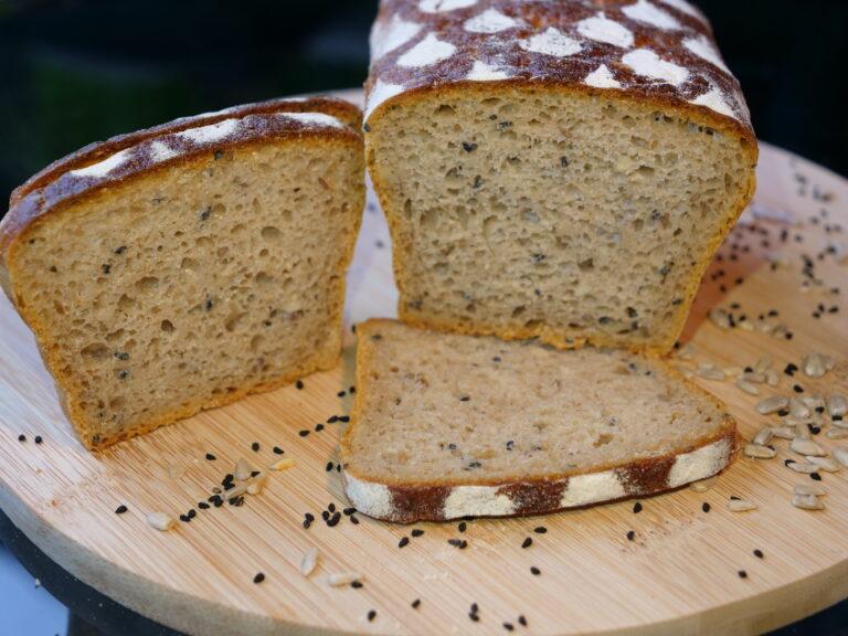 Chleb ziarnisty żytni